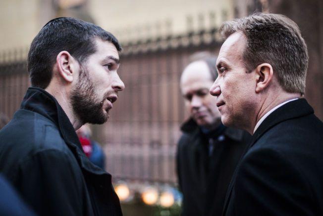 DIALOG: Rabbiner Jair Melchior samtalte med utenriksminister Børge Brende før minnehøytiden mandag.