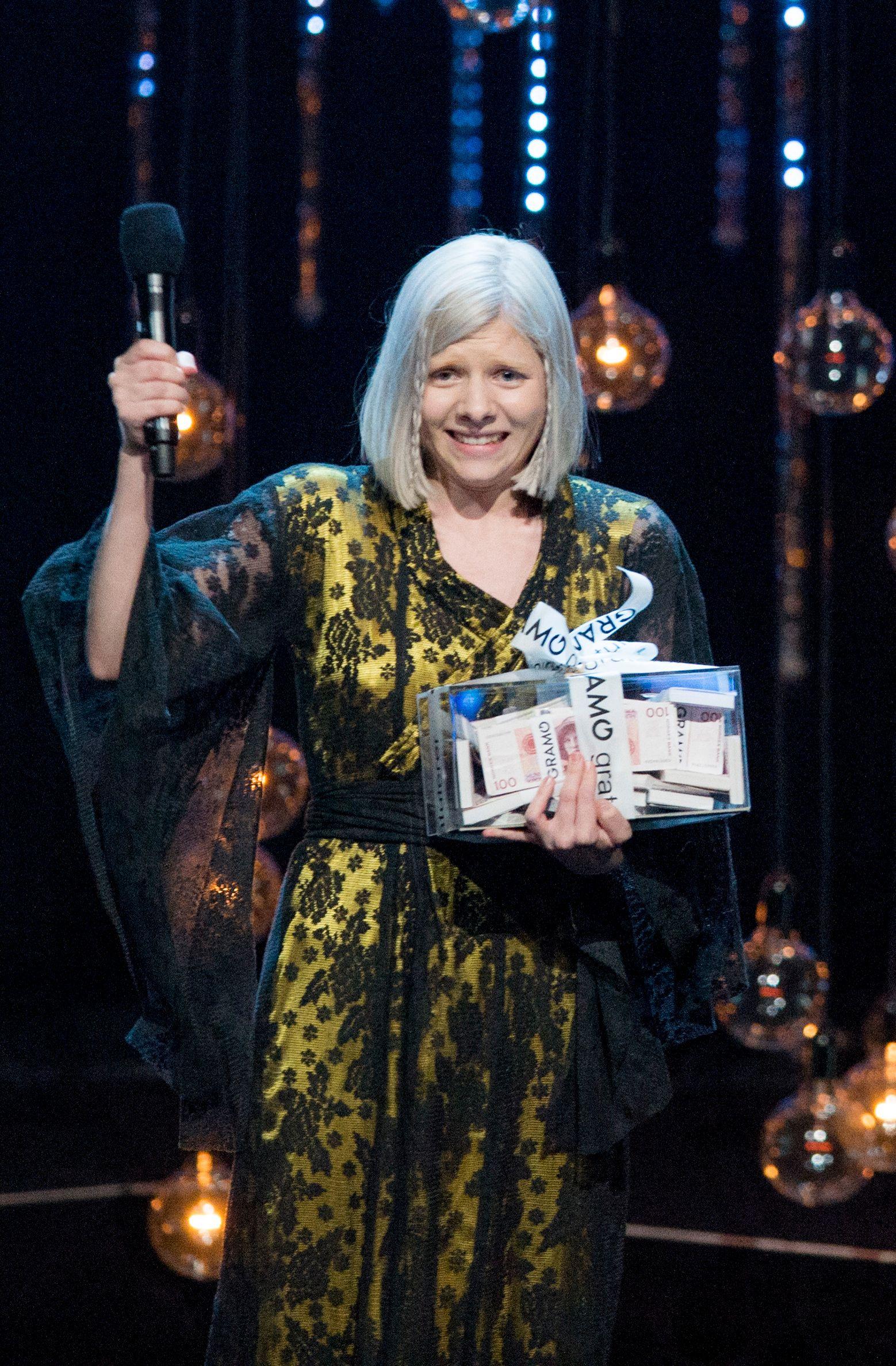 PRISVINNER: Aurora Aksnes ble «årets nykommer» på Spellemannprisen for 2015. Foto: NTB SCANPIX