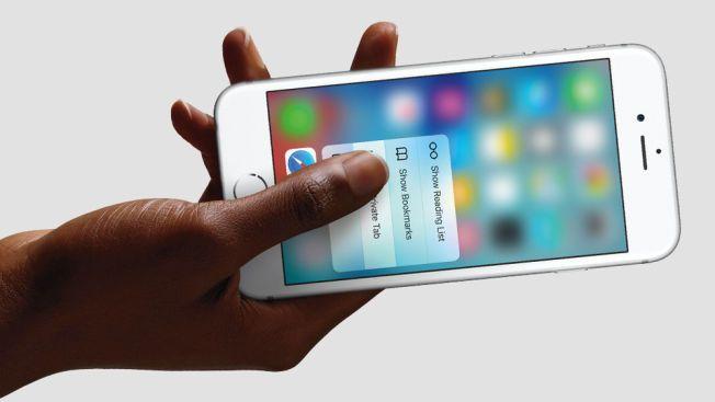 Den nye iPhonen har en ny skjerm med trykkfølsom berøring.