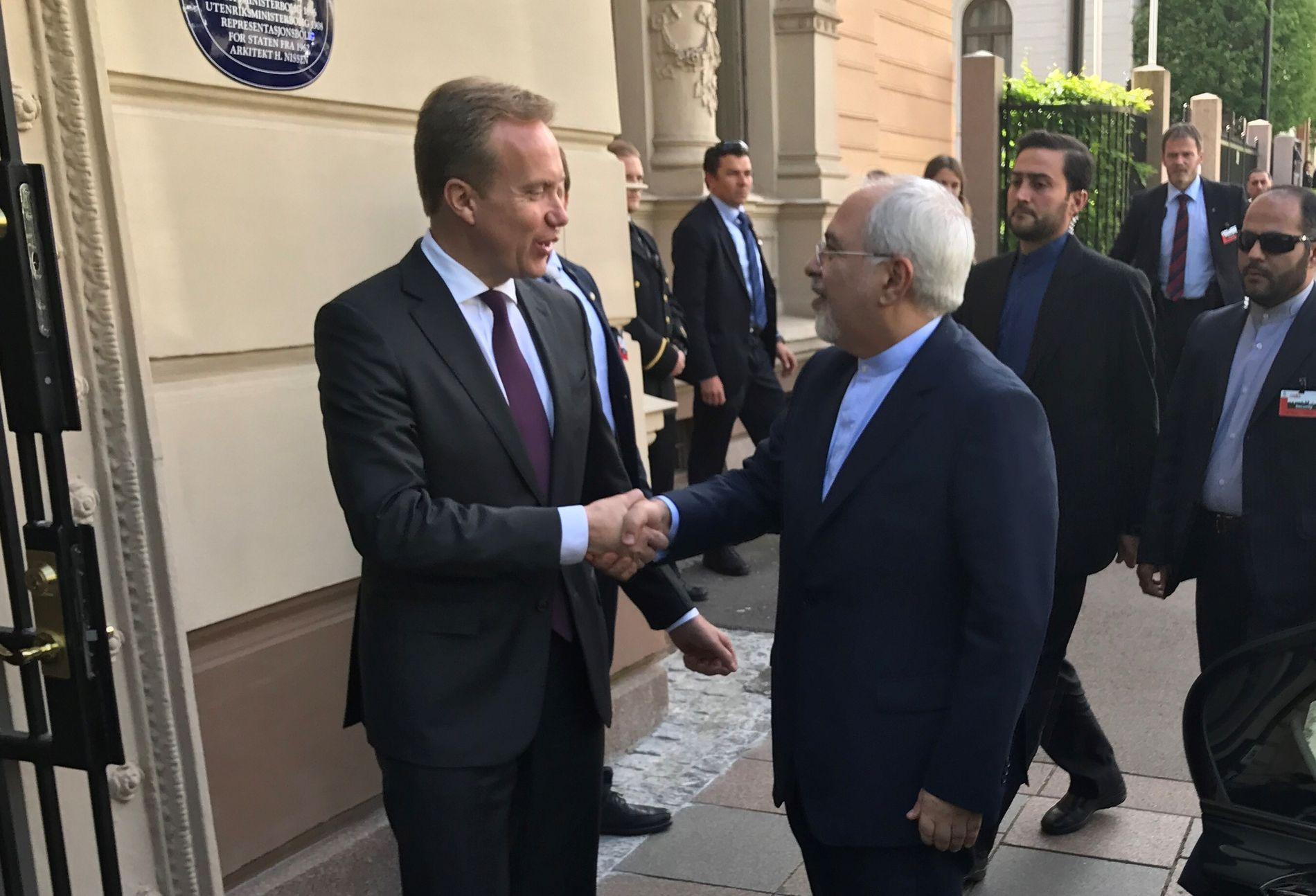 HÅNDHILSER: Børge Brende møtte Irans utenriksminister mandag.
