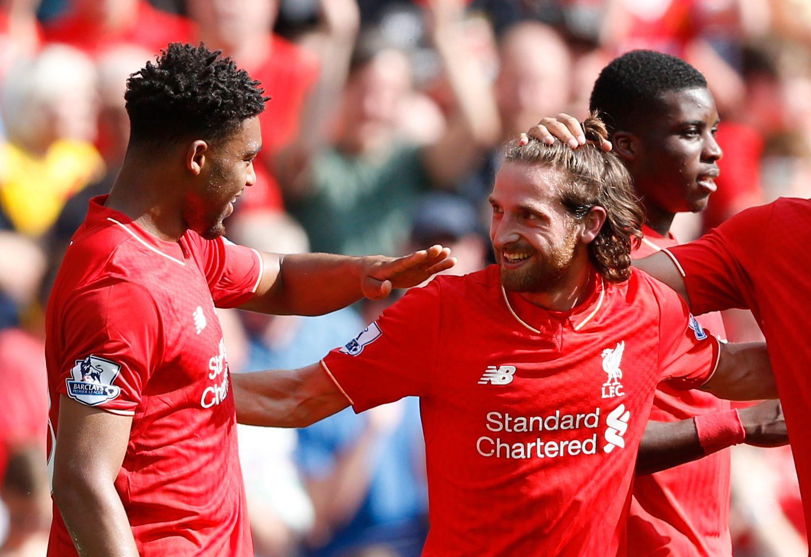 MÅLSCORER: Joe Allen feirer etter å ha scoret 1-0-målet for Liverpool mot Watford. Til venstre: Jordon Ibe.
