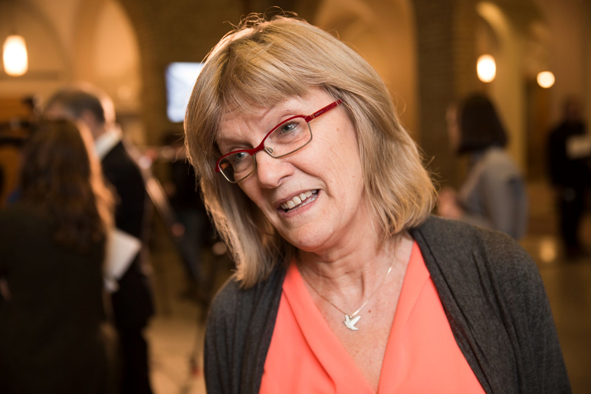 REAGERER: Stortingsrepresentant Karin Andersen (SV) mener de som har dårlig råd ikke har samme rettssikkerhet som andre.