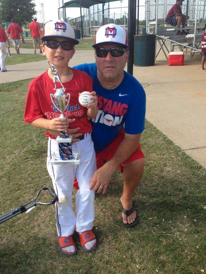 OFRE: Amerikanske Brodie Copeland (11), en ivrig baseball-spiller, ble drept under torsdagens angrep. Det samme ble faren Sean. Foto: PRIVAT