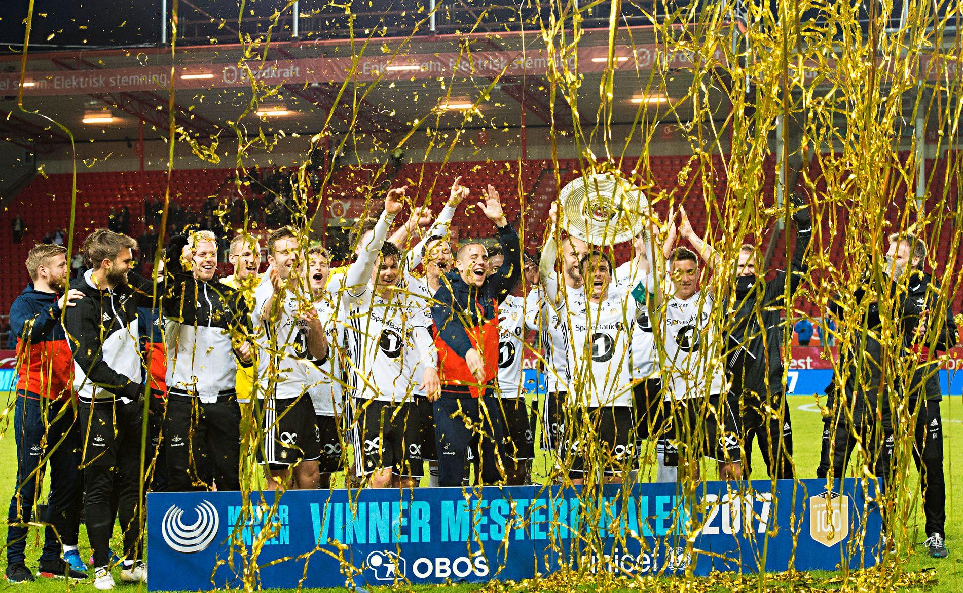 SEIERSGANG: Rosenborg slo Brann i mesterfinalen onsdag. Slik mener samtlige medier som VG har hentet tabelltips fra, at det skal fortsette til serieslutt i november.