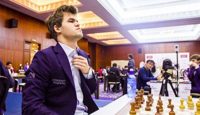 FØRSTE VINNER:  Magnus Carlsen ble i desember den første vinner av den nye sjakktouren. Nå bryter Norway Chess med Grand Chess Tour.