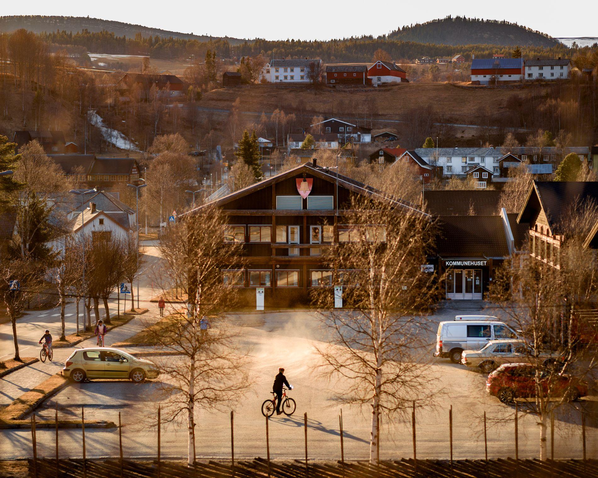 VIL IKKE SVARE: Tolga kommunes taushet er et nytt overgrep, mener forbundsleder Jens Petter Gitlesen i Norsk Forbund for Utviklingshemmede.  På bildet kommunehuset i Tolga.