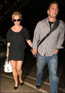 GIFT: Britney Spears var gjest da storebror Bryan giftet seg nyttårsaften. Foto: WENN