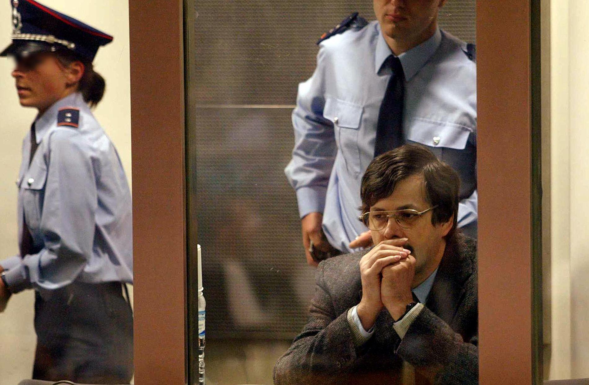 LIVSSTID: Dutroux ble dømt til livsstid, uten mulighet for prøveløslatelse, i 2004. Han har tidligere søkt om å bli løslatt.
