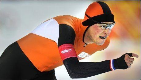 MÅLRETTET: Sven Kramer har ventet fire år på å få tatt igjen etter den sure missen i Vancouver. Her er nederlenderen i aksjon på dagens 5000 meter. Foto: Helge Mikalsen, VG