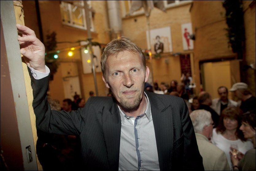 DØD: NRK-programleder Knut Nesbø, her i 2011, har gått bort. Foto: MARIUS KNUTSEN.