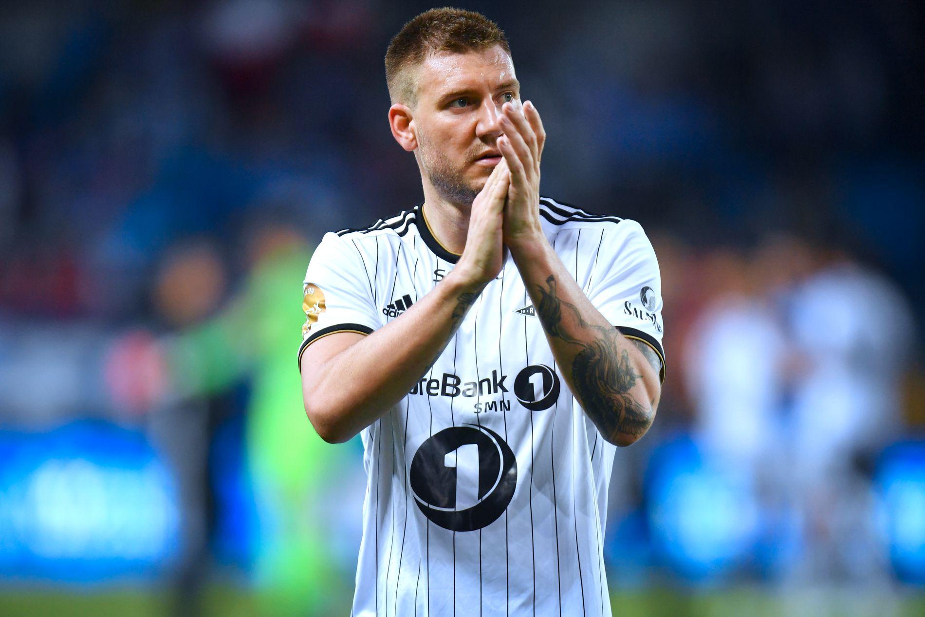 PROFIL: Nicklas Bendtner, Rosenborg-spiss, virker å være ute i kulden på Lerkendal. Her fra sist kamp han spilte – borte mot Molde 28. april.