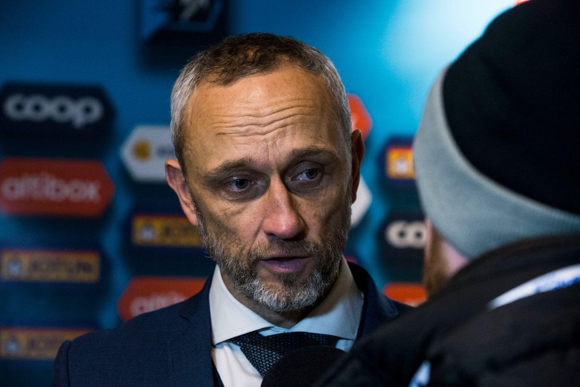 FORSVARER SANDEFJORD: Aalesund-trener Lars Bohinen.