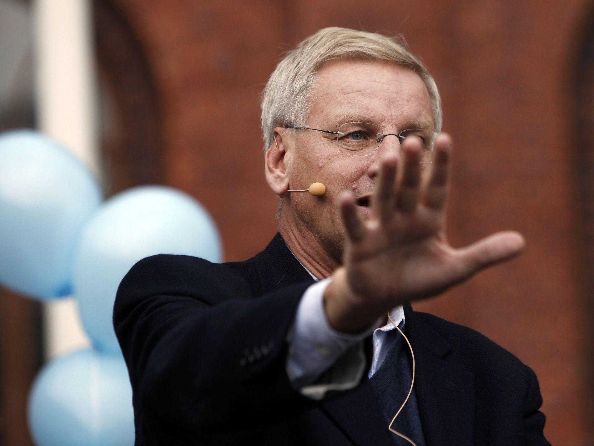 REAGERER: Sveriges tidligere statsminister, Carl Bildt, mener Sylvi Listhaugs tur til Rinkeby tirsdag var et PR-stunt.