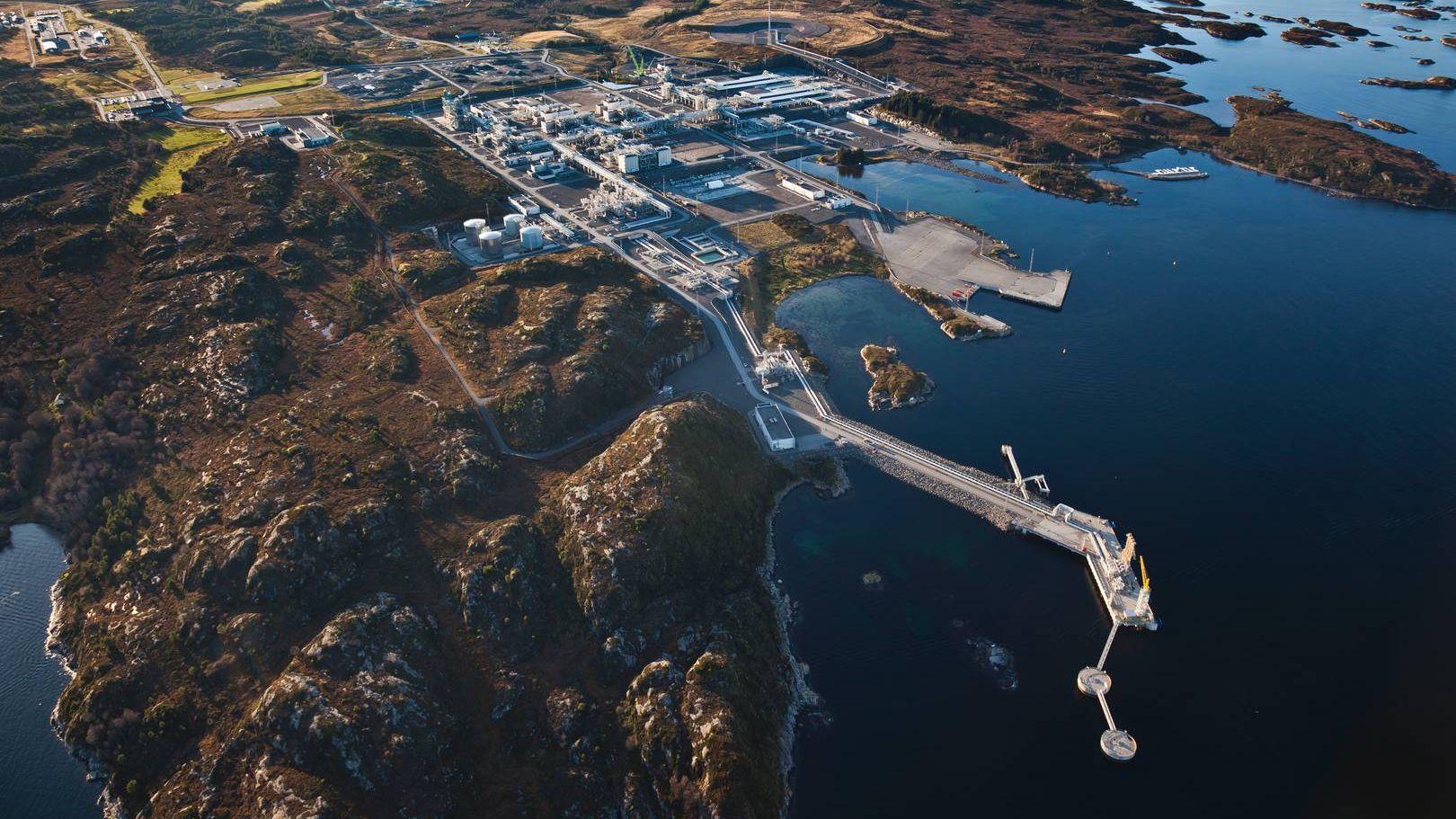 Prosesseringsanlegget Nyhamna tar imot gass fra blant annet Ormen Lange-feltet til Shell og Aasta Hansteen-feltet til Equinor. Nå kan det bli mottageren av fornybar vindkraft om få år.
