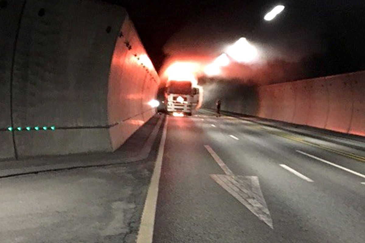 oslofjordtunnelen kart Tyrkisk syklist brukte Google kart – ble reddet fra bunnen av  oslofjordtunnelen kart