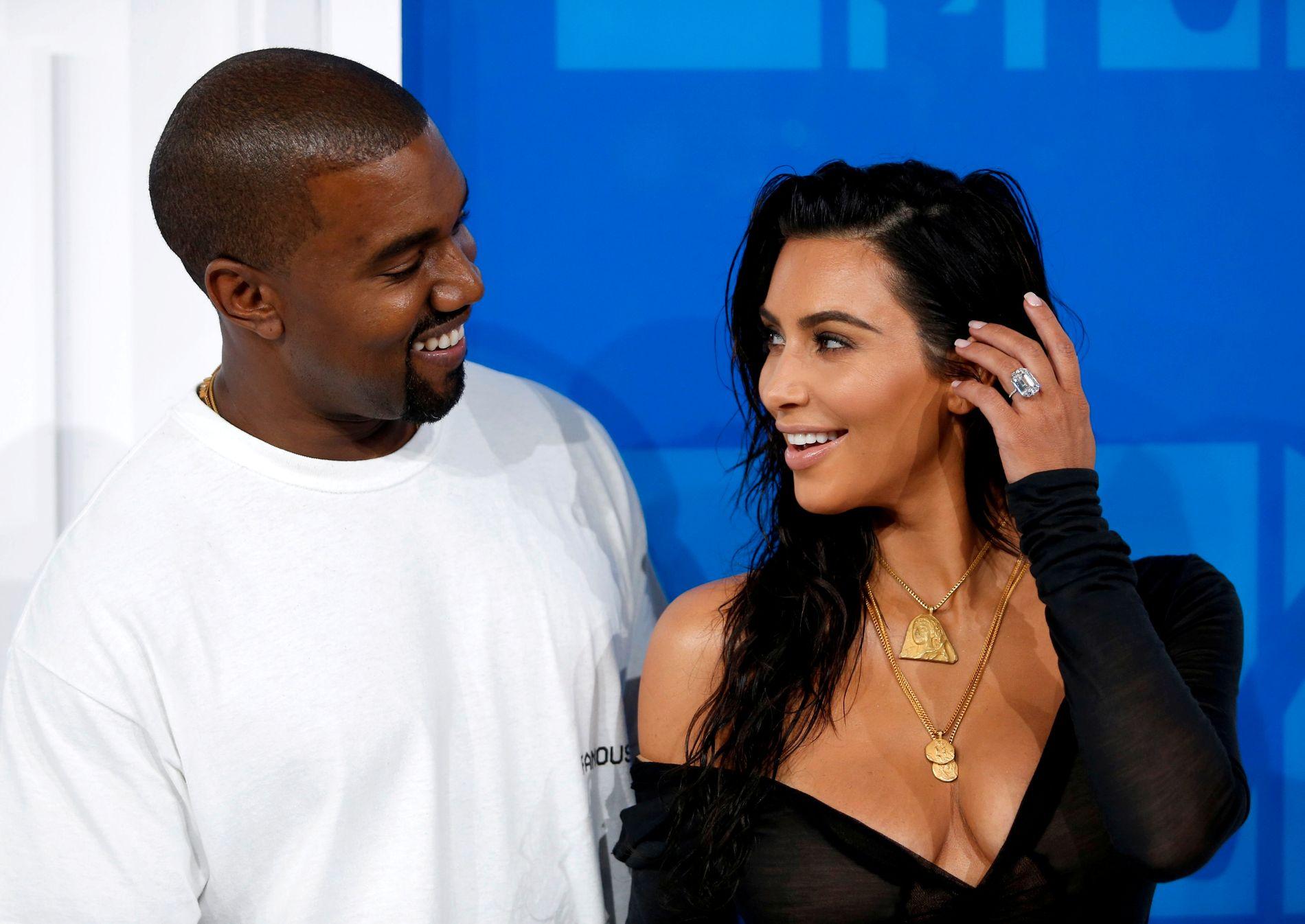 EKTEPAR: Kim og Kanye giftet seg i 2014 og haddestorslagent bryllup i Italia og Frankrike.