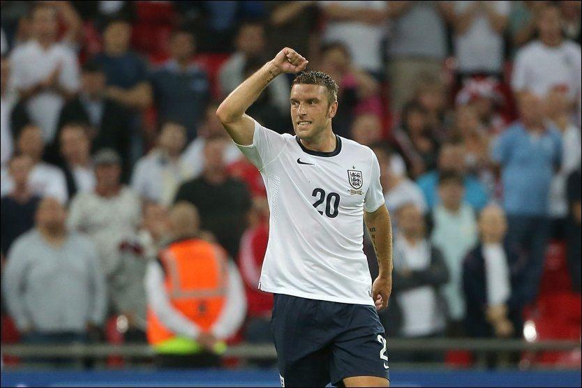 GLEDESRUS: 31 år gamle Rickie Lambert debuterte for England med scoring mot Skottland. Det var en drøm som endelig gikk i oppfyllelse. Foto: Pa Photos
