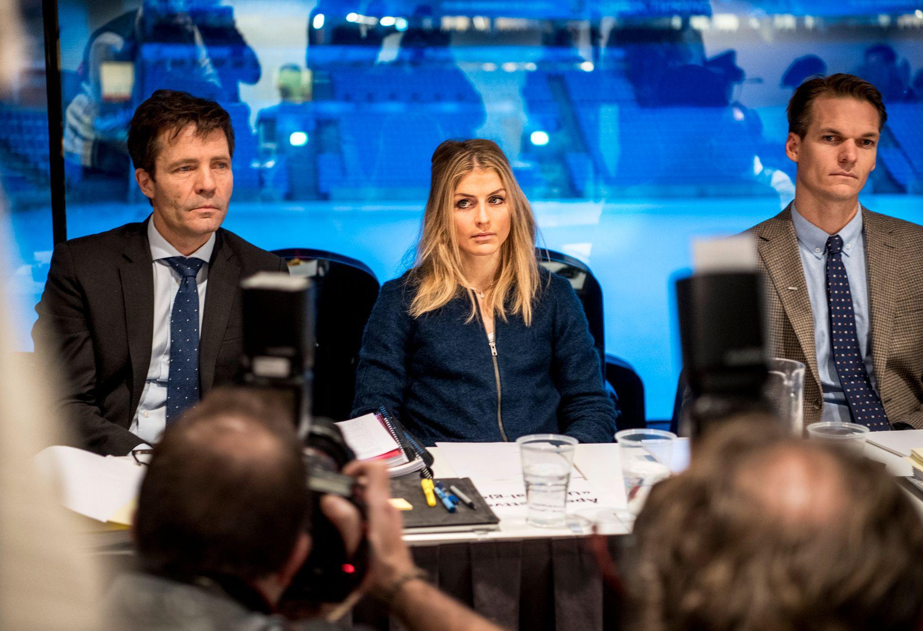 ENDELIG REGNING: Therese Johaug, her sammen med sine advokater fra høringen foran NIFs domsutvalg på Ullevaal stadion i januar i fjor.
