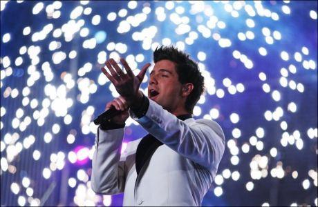 TREDJEMANN: Didrik Solli-Tangen er tredje artist på scenen i den europeiske finalen i Melodi Grand Prix. Foto: Scanpix