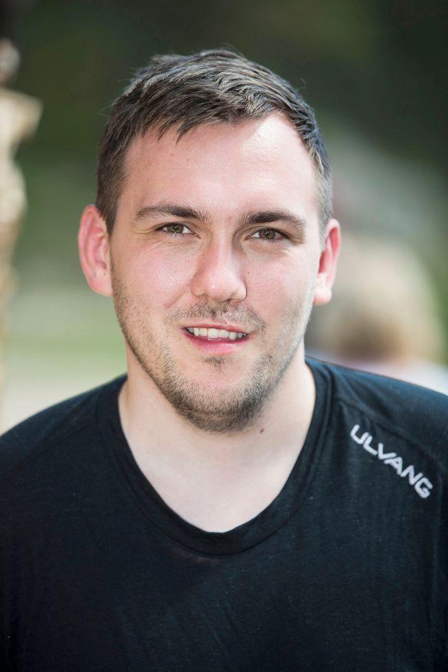 SLITER MED MOBILFRI: Dennis Vareide er også litt glad for å slippe å ha mobilen