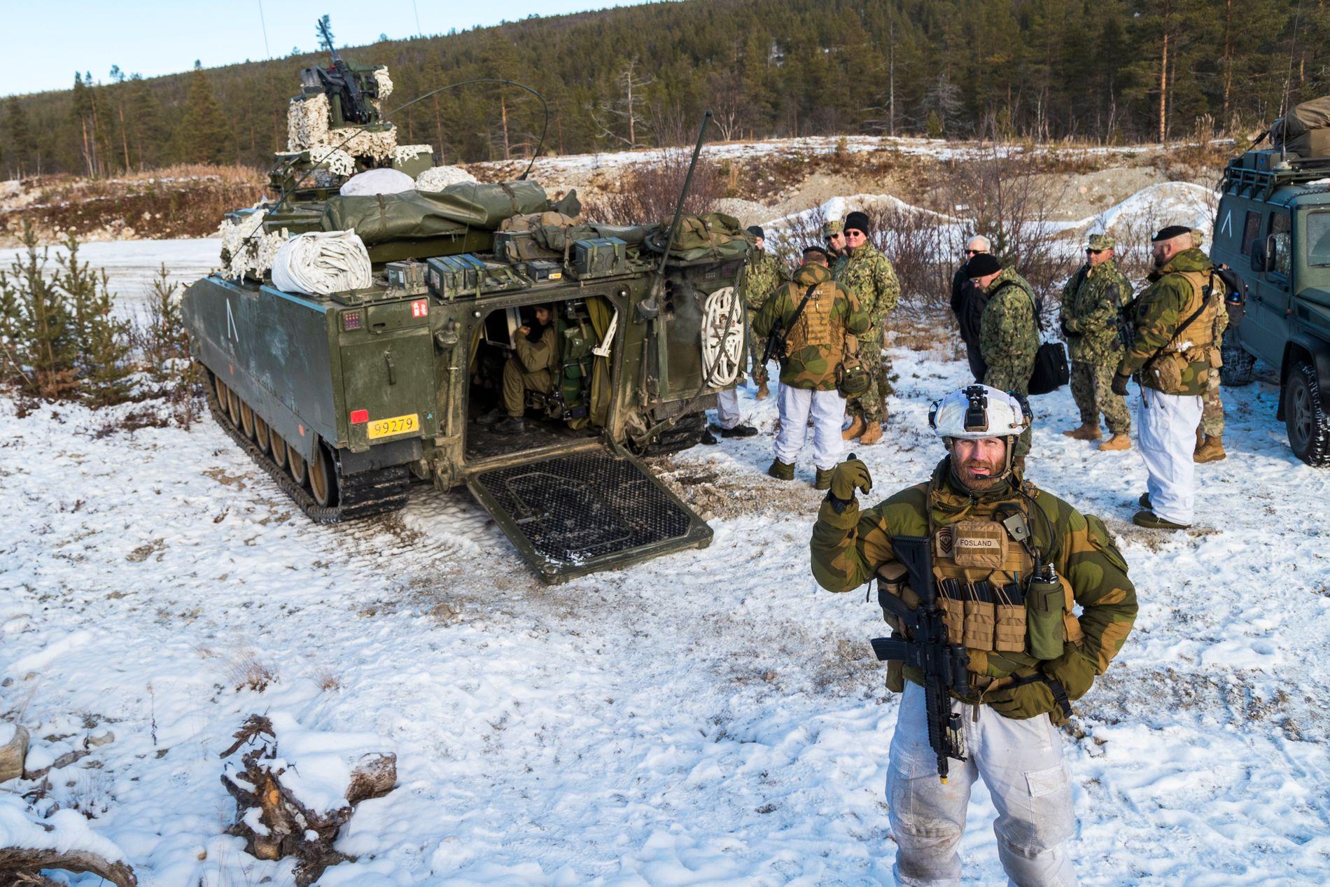 UNDER NATO-MÅLET: FFI viser nå fram tallene for hva hva ulike forsvarskonsepter vil koste norske skattebetalere. Her er en avdeloing fra Brigade Nord under NATO-øvelsen i Røros-området i fjor høst.