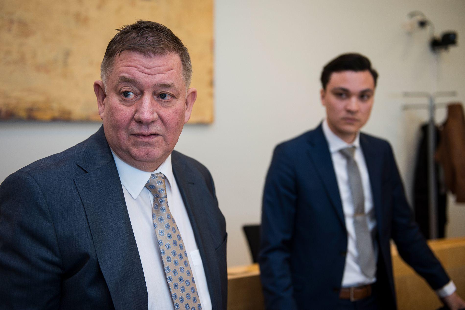 ADVOKATER: Tor Inge Borgersen (t.v.) og Aleksander Barkved Steinsvåg er den tiltalte 18-åringens forsvarere.