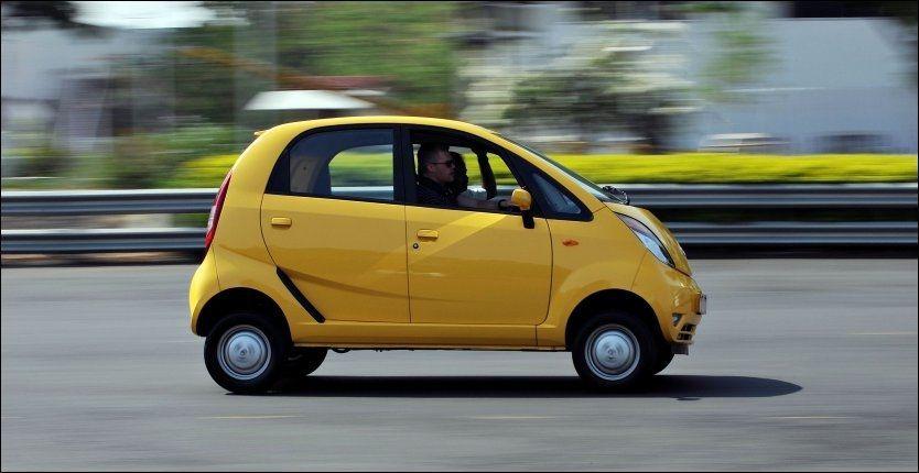 a6fe64b3 VERDENS BILLIGSTE: Tata Nano koster ca 13.000 kroner. Etterspørselen etter  verdens billigste bil har nå vokst enormt. Foto: Scanpix