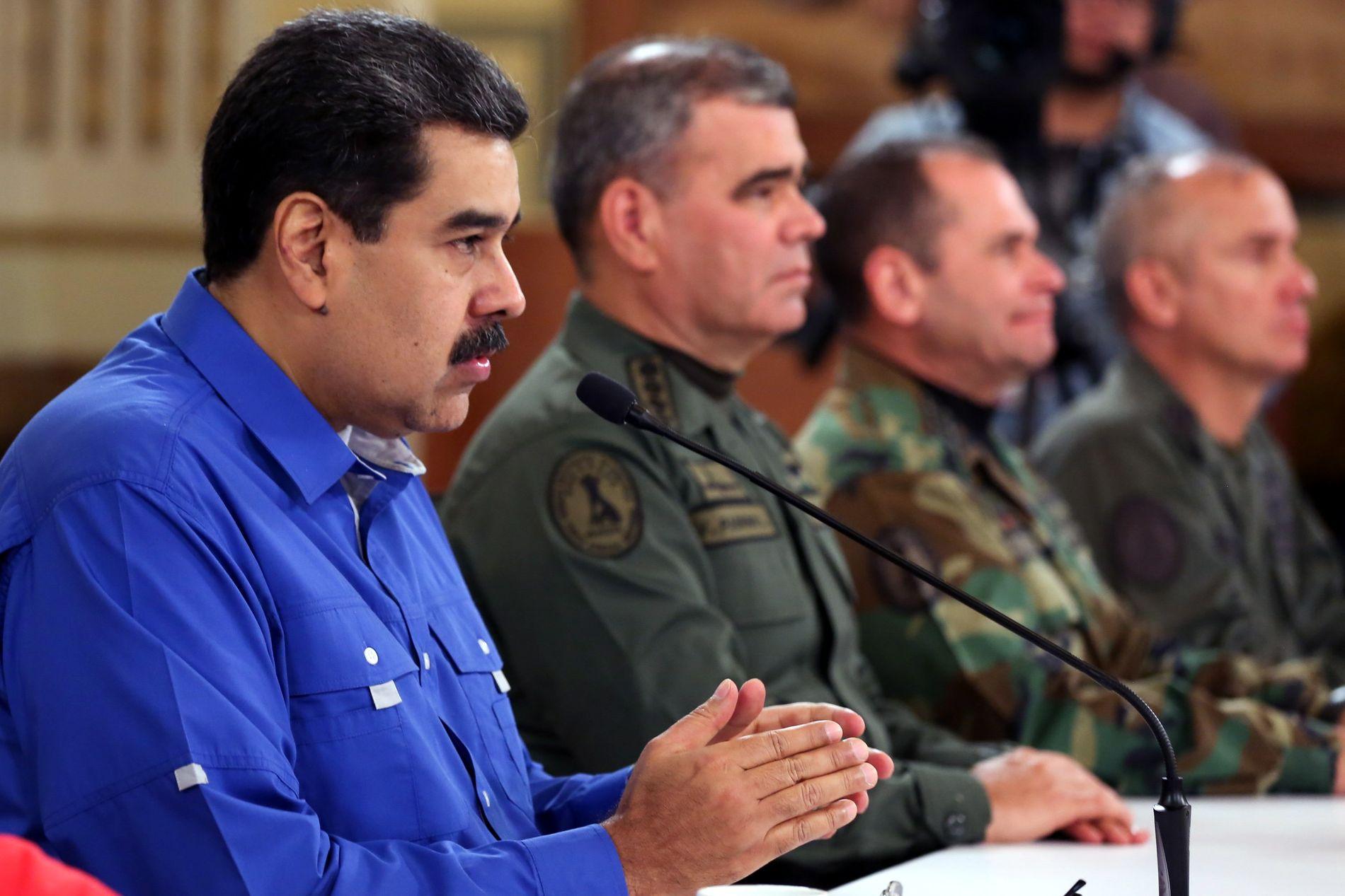 GIR SEG IKKE: Venezuelas president Nicolás Maduro. Her fra han holdt en TV-tale natt til onsdag norsk tid.