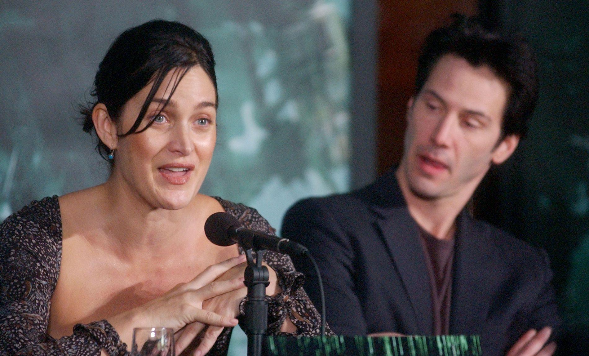 I KALDE NORD: Carrie-Anne Moss, som spilte i «Matrix»-trilogien sammen med blant andre Keanu Reeves, er i Norge for å medvirke i TV-serien «Wisting».