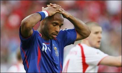 BOM OG ATTER BOM: Thierry Henry og Frankrike sliter fortsatt med å score mål. Foto: Reuters