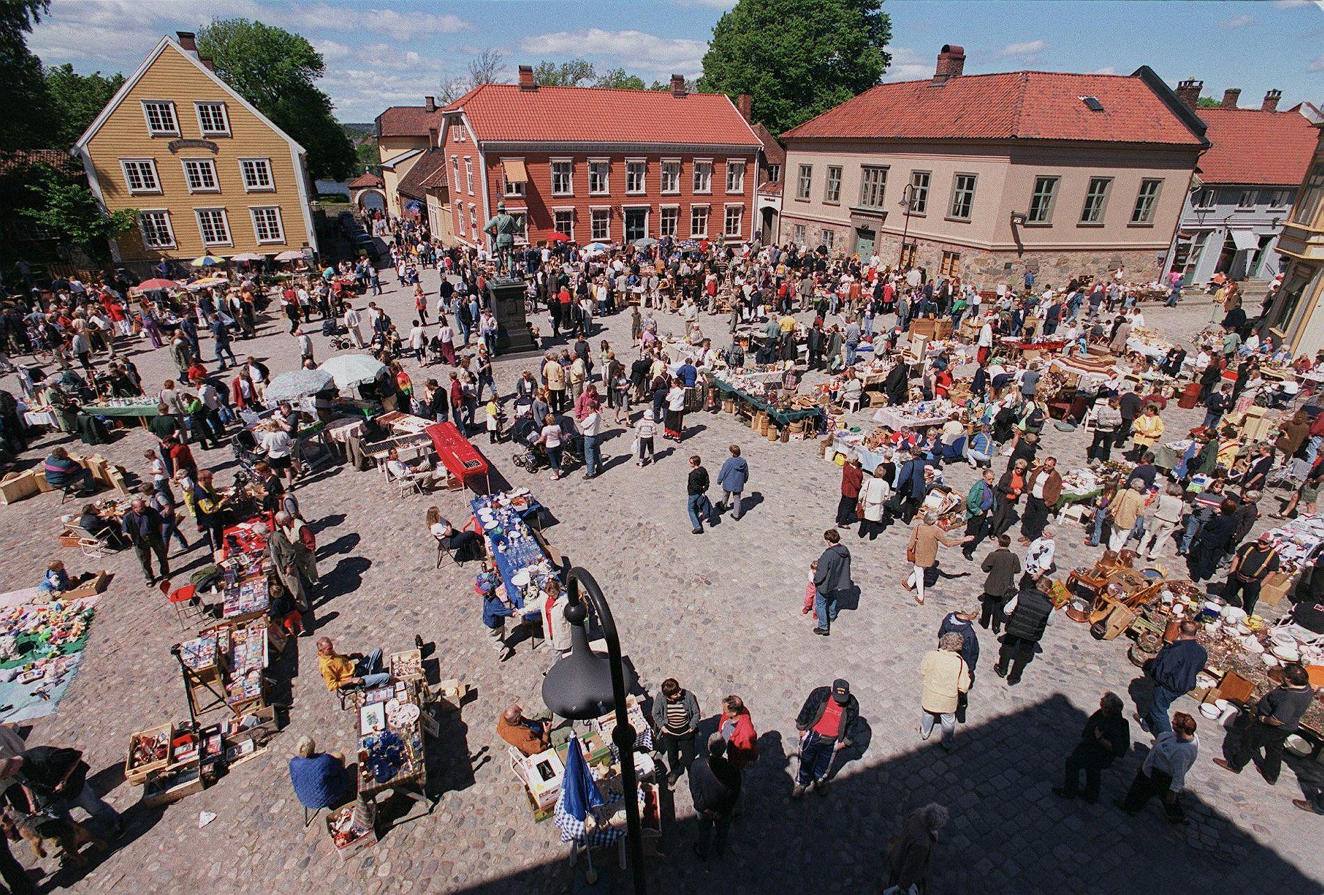 YRENDE LIV: Marked på Kongens Torv i hjertet av Gamlebyen.