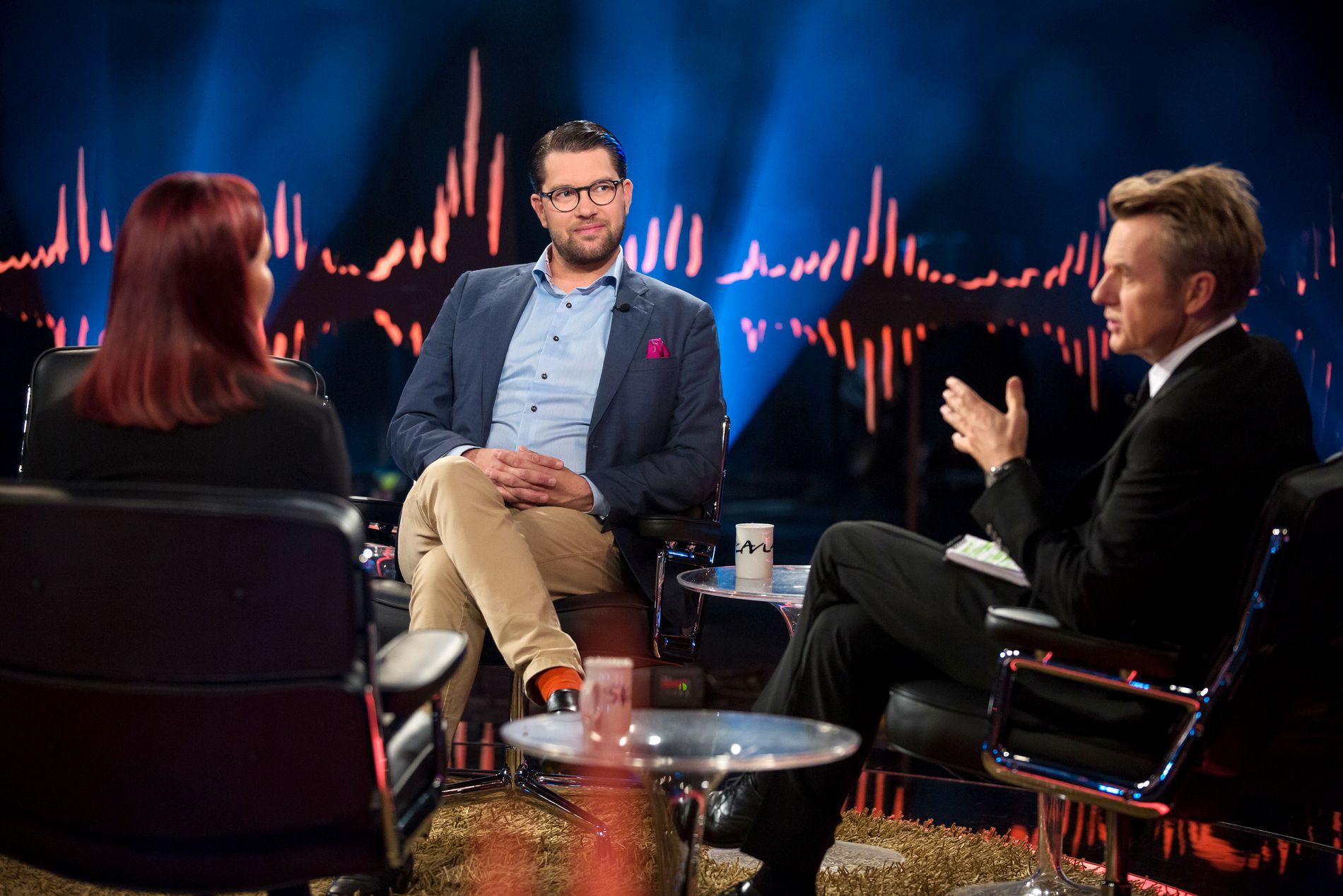 ÅKESSON HOS SKAVLAN: Sverigedemokraterna-leder Jimmie Åkesson fikk svette i stolen hos Skavlan.