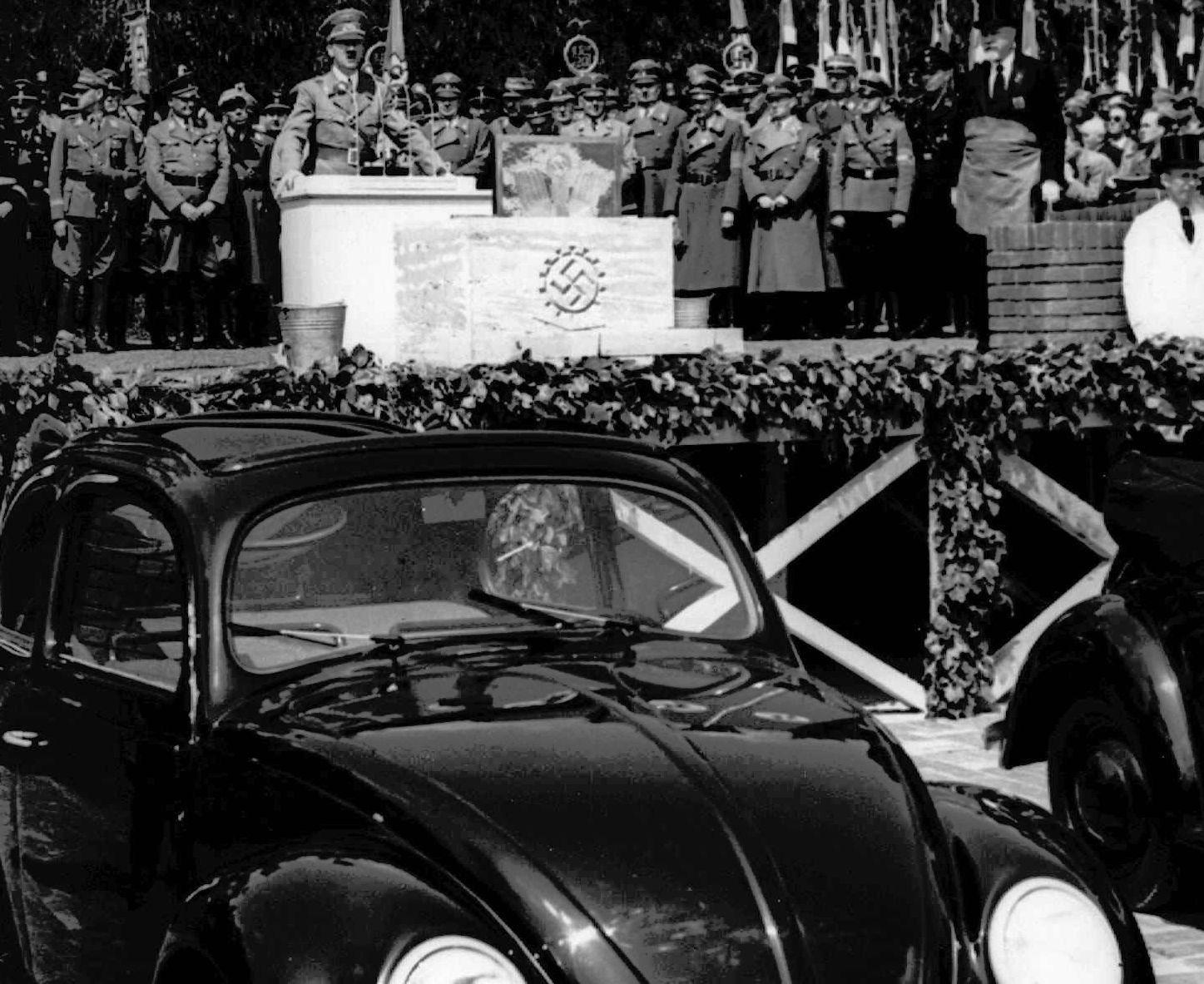 TVILSOM START: Folkevognen kom til etter bestilling fra Adolf Hitler.