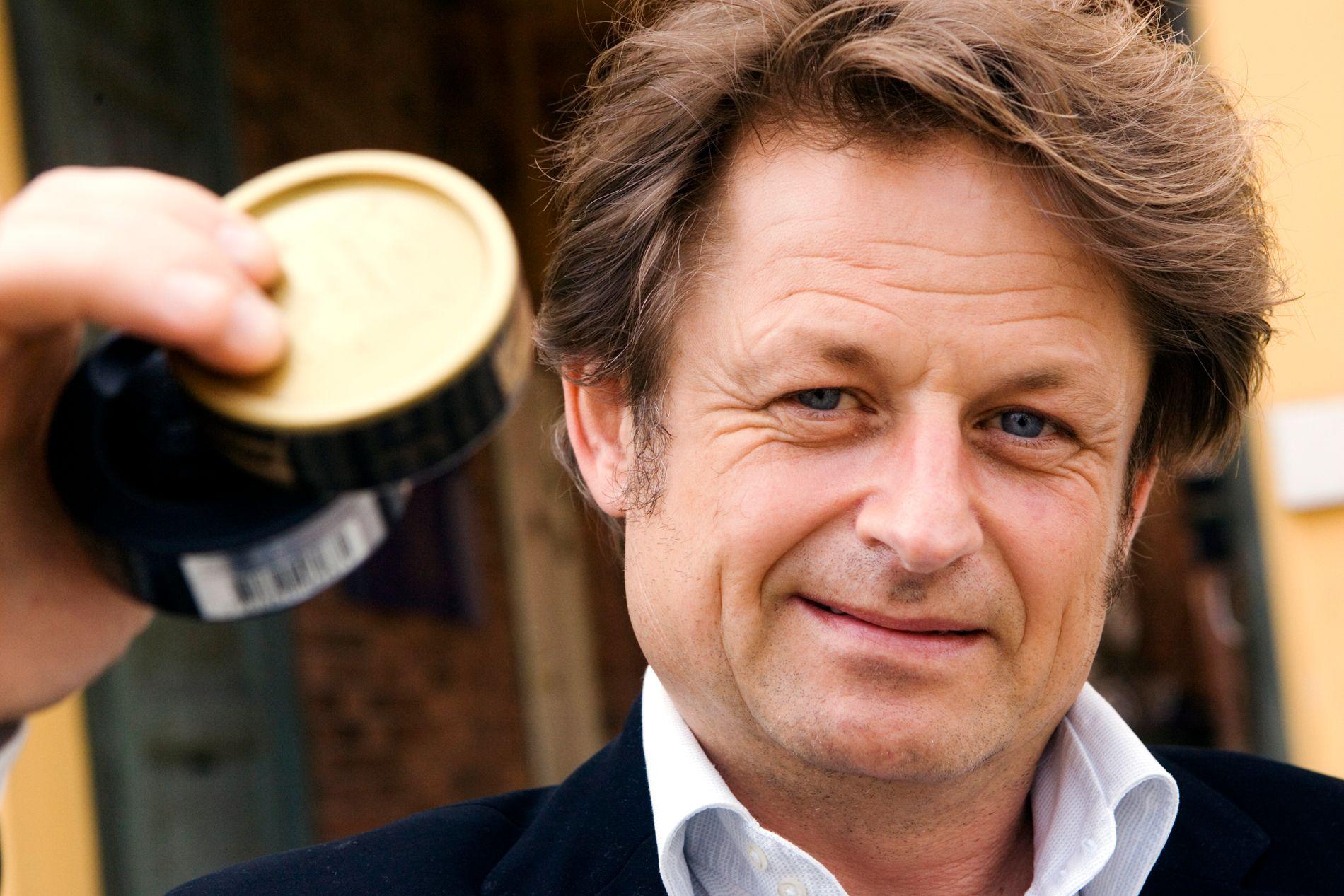 SKEPTISK: Tobakksforsker Karl Erik Lund tror en svensklignende røykelov kommer til Norge før eller siden, men er usikker på om tiltaket er godt.