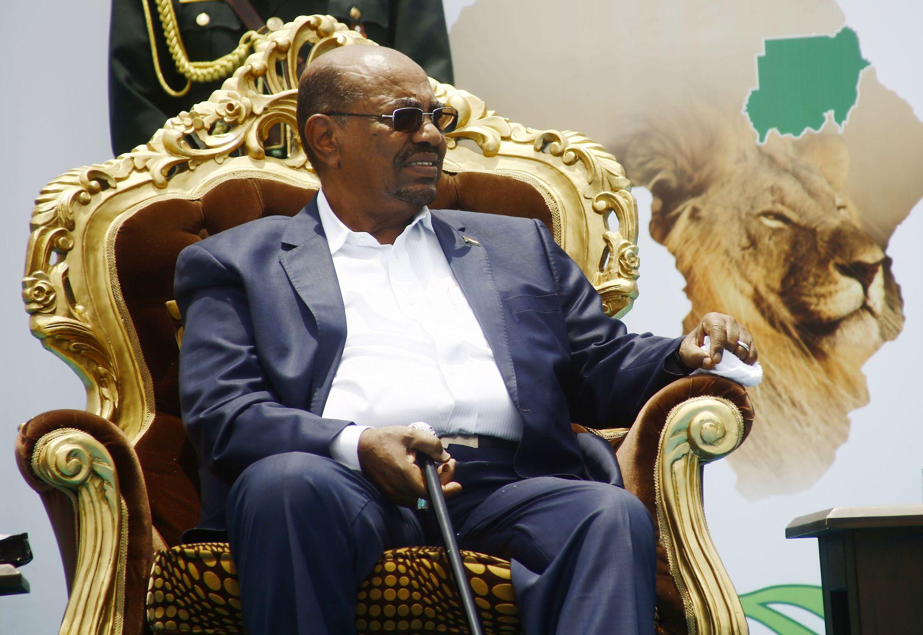 FALT FRA TRONEN: Omar al-Bashirs dager som Sudans president er over.