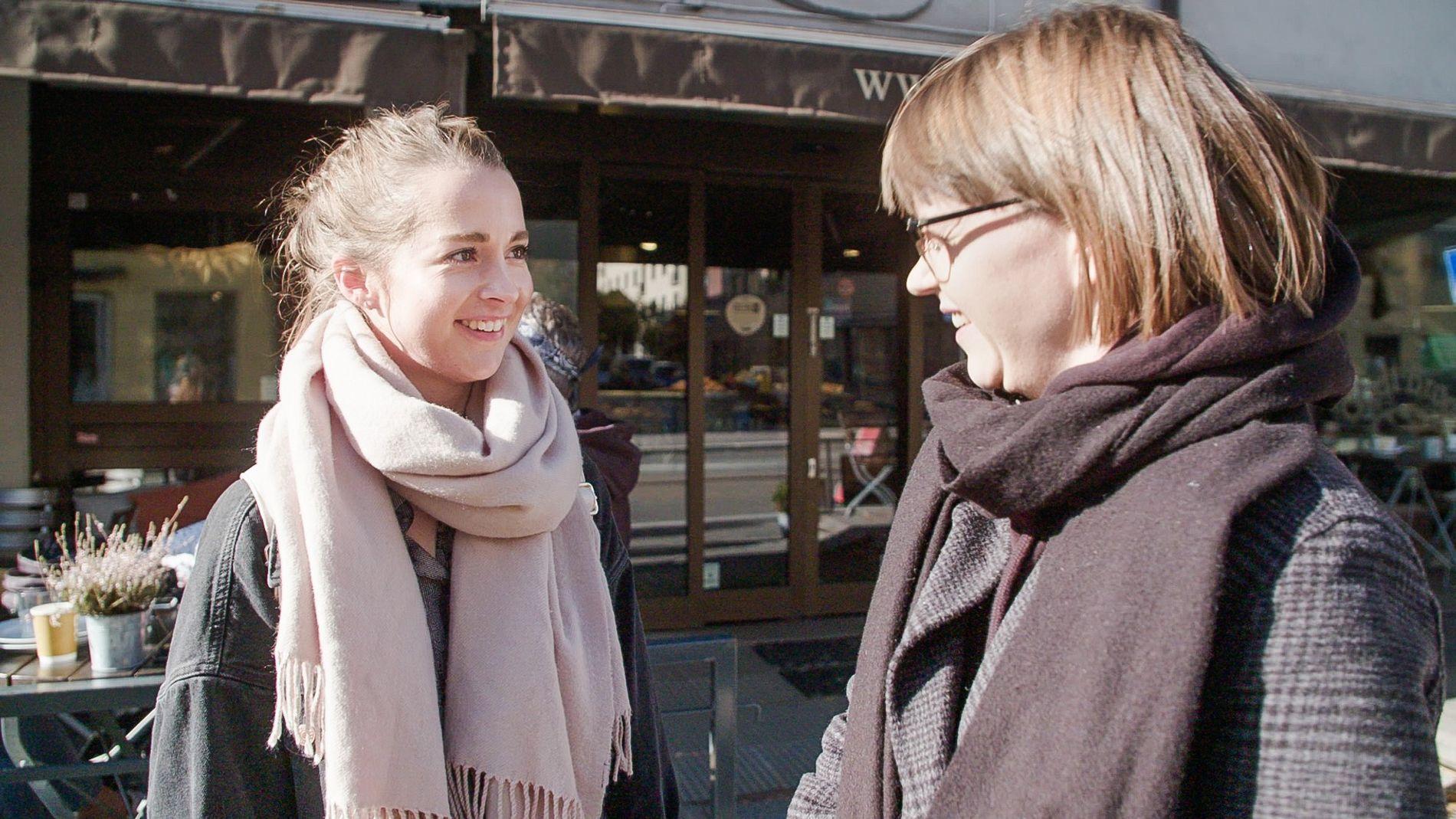 HULL I CV-EN: Eline (til venstre) og Cecilie Ramona Kåss Furuseth i «Sinnsykt».