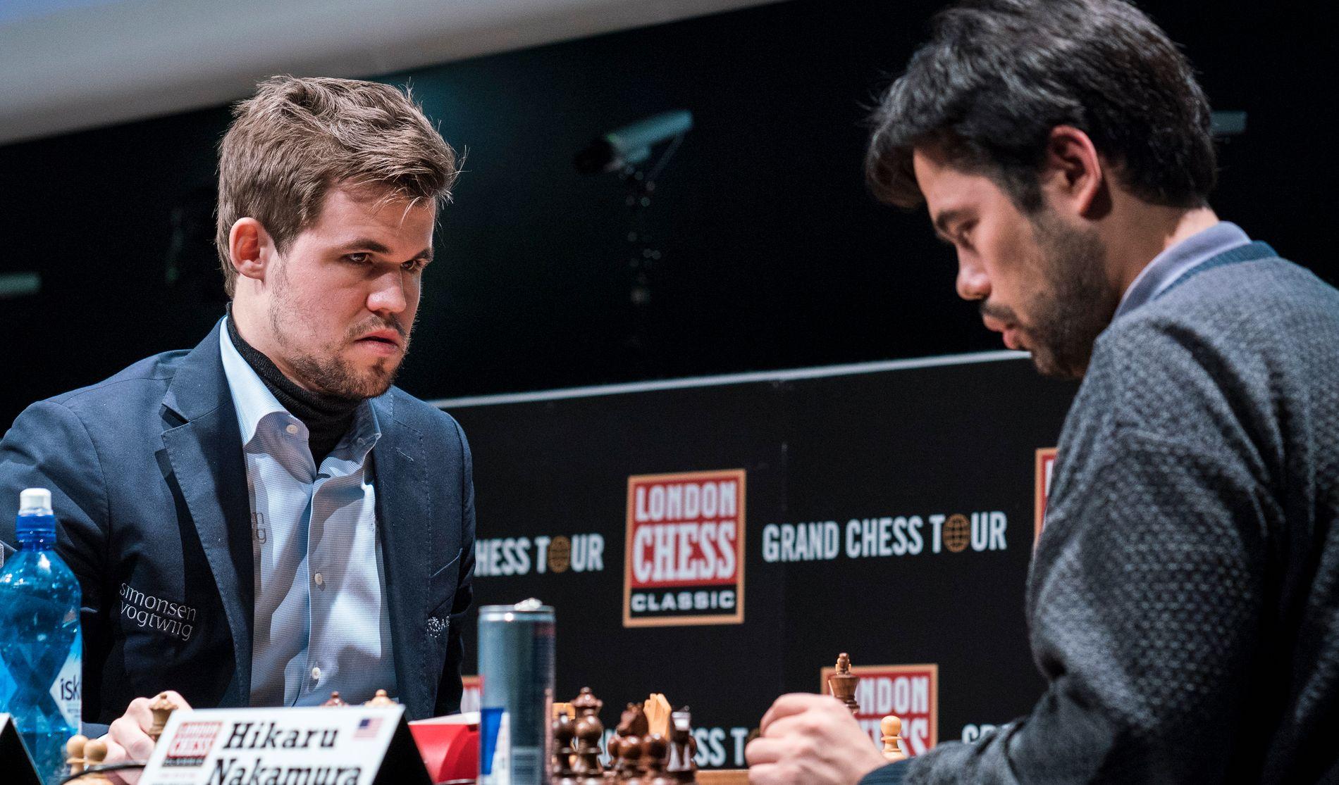 RIVALER: Magnus Carlsen og Hikaru Nakamura i aksjon i London Chess Classic.