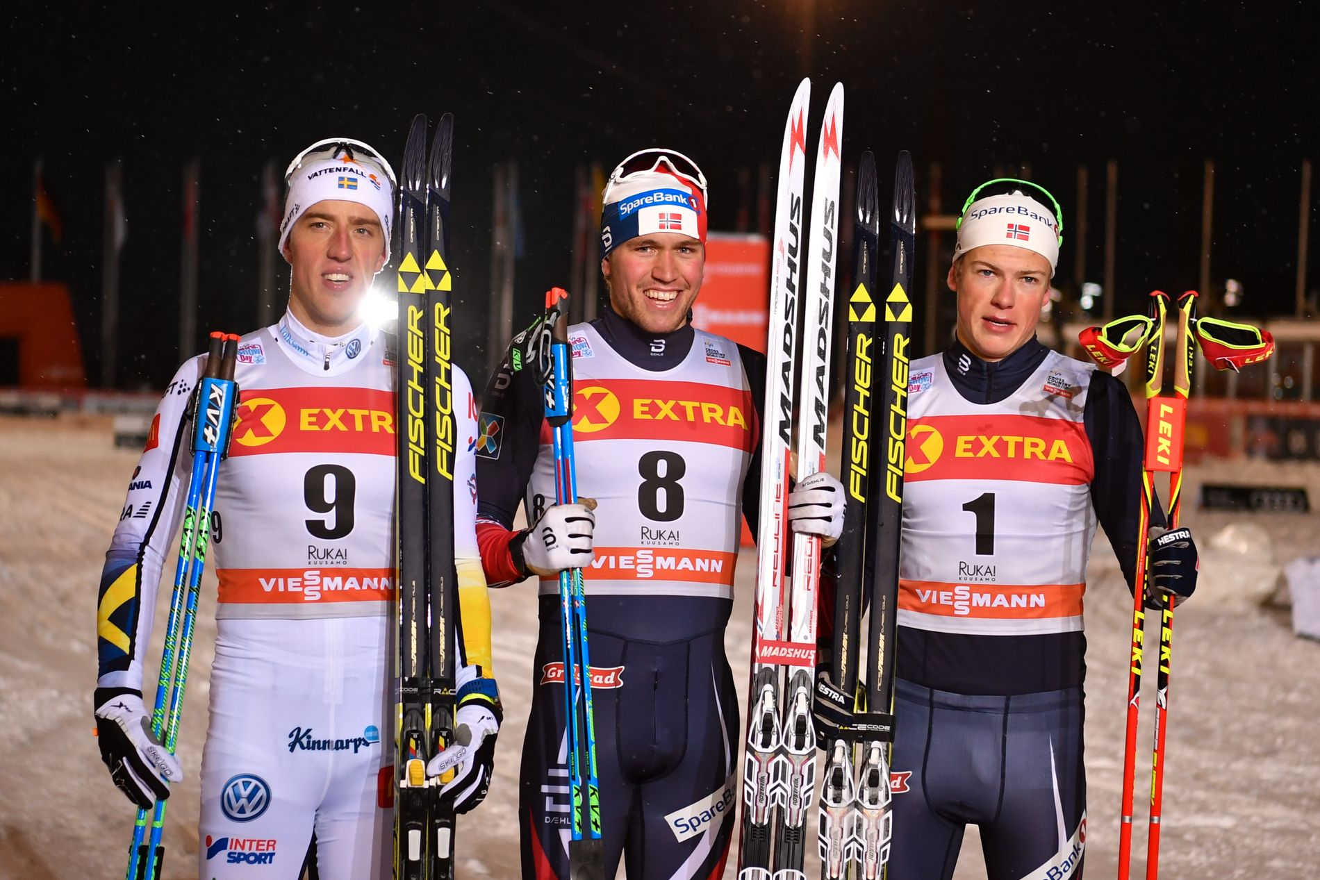 TIL OL: Pål Golberg (i midten) er klar for OL-sprinten. Her er han under sesongstarten i Ruka i november, da ble han nummer to på sprinten, bak Johannes Høsflot (t.h.) og Calle Halvfarsson.