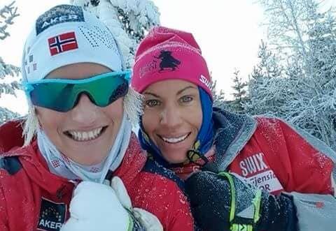SKIGYMNAS: Skofterud og Kristiansen møttes på skigymnaset på Hovden da de var 18 og 16 år gamle. Siden den gang har de opplevd mye sammen.