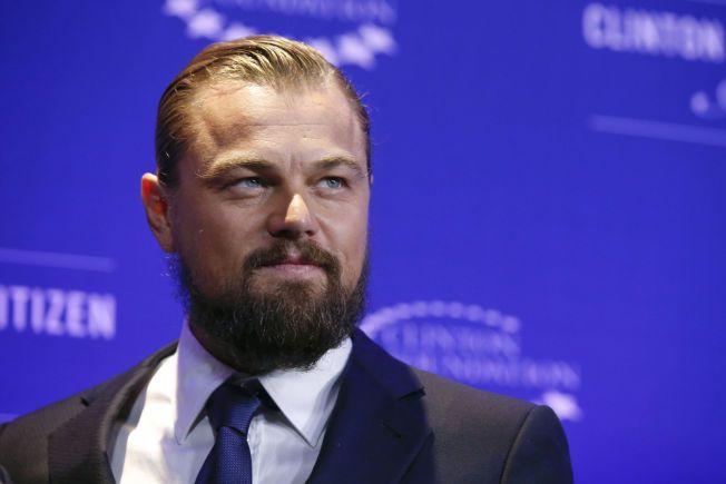 SKJEGGETE: Leonardo DiCaprio sparer både hår og skjegg til innspillingen av «The Revenant», der han skal spille en alvorlig såret 1800-tallsjeger som forlates av kameratene – og tar hevn. Her er han på Clinton Global Citizens award for noen uker siden.