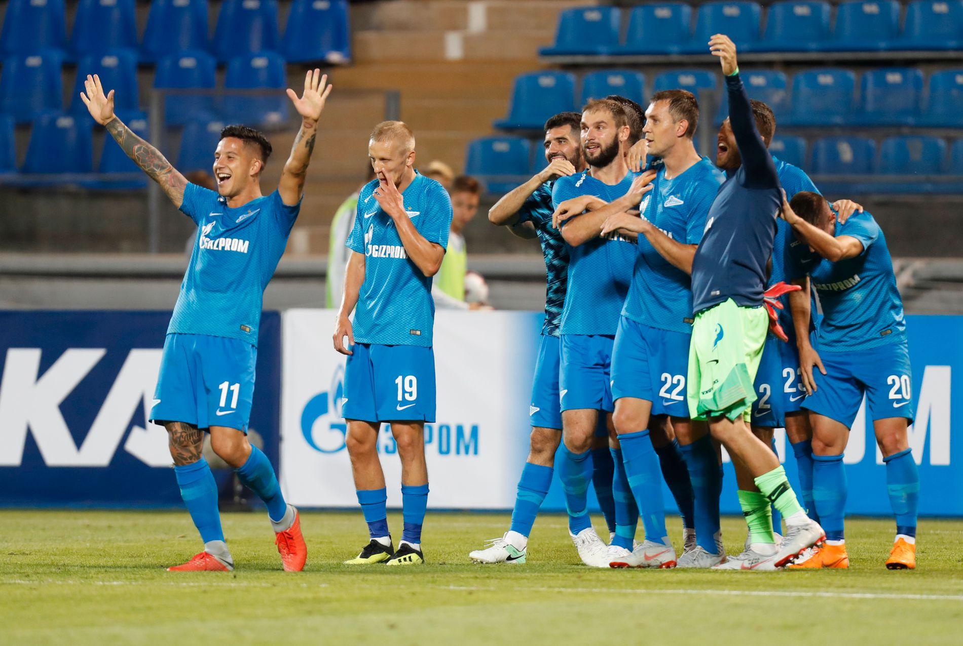 RUSSISK JUBEL: Zenit-spillerne feirer 8–1-seier og avansement i Europa League.