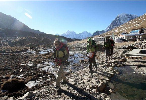 Nepal forbyr turister å gå fotturer på egenhånd