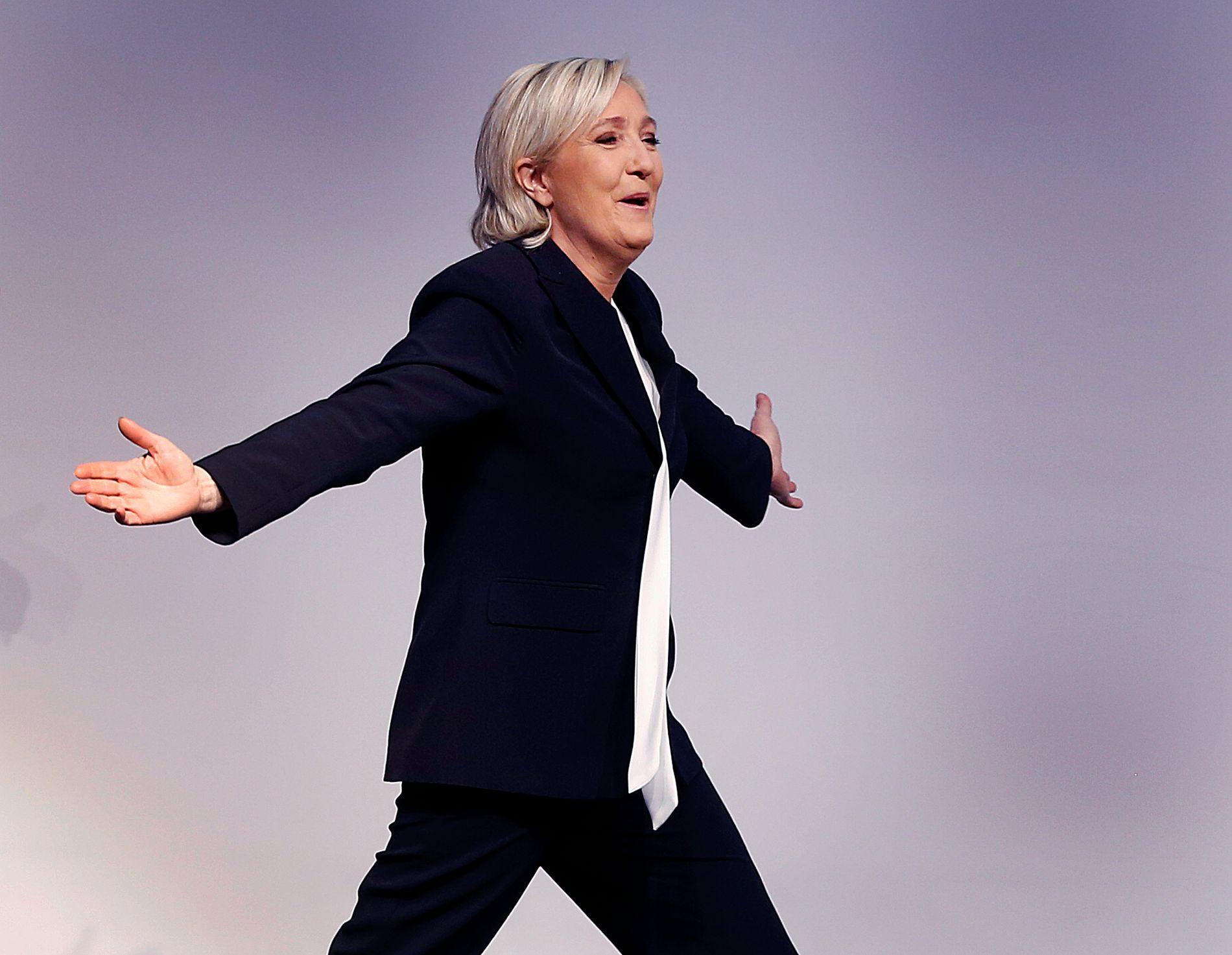 TATT IMOT SOM EN STJERNE: Ytre-høyre leder Marine Le Pen. FOTO: AP