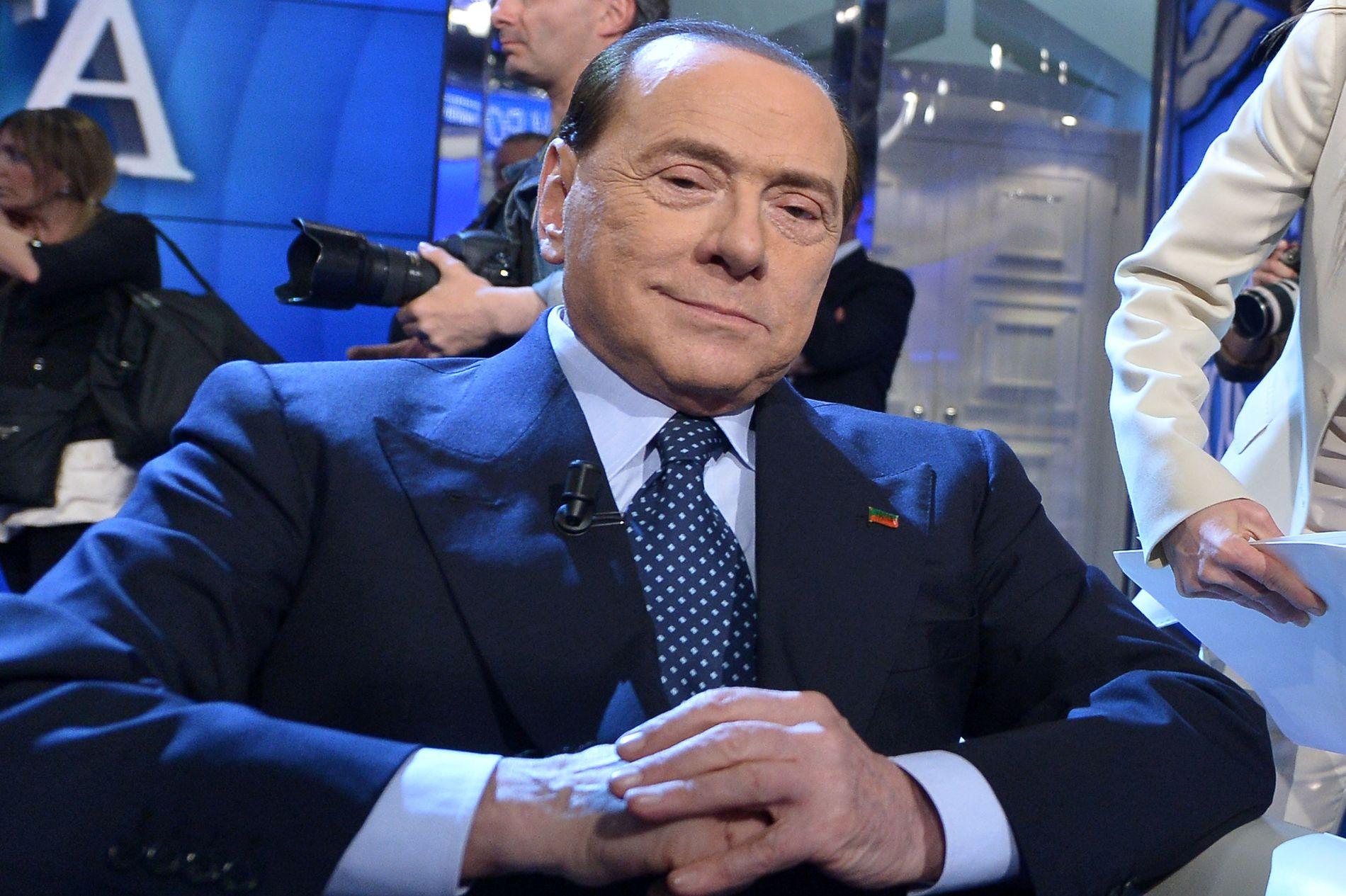 OPPSLUTNING: Koalisjonen til Silvio Berlusconi ville trolig vunnet parlamentsvalget i Italia, om det hadde funnet sted nå.