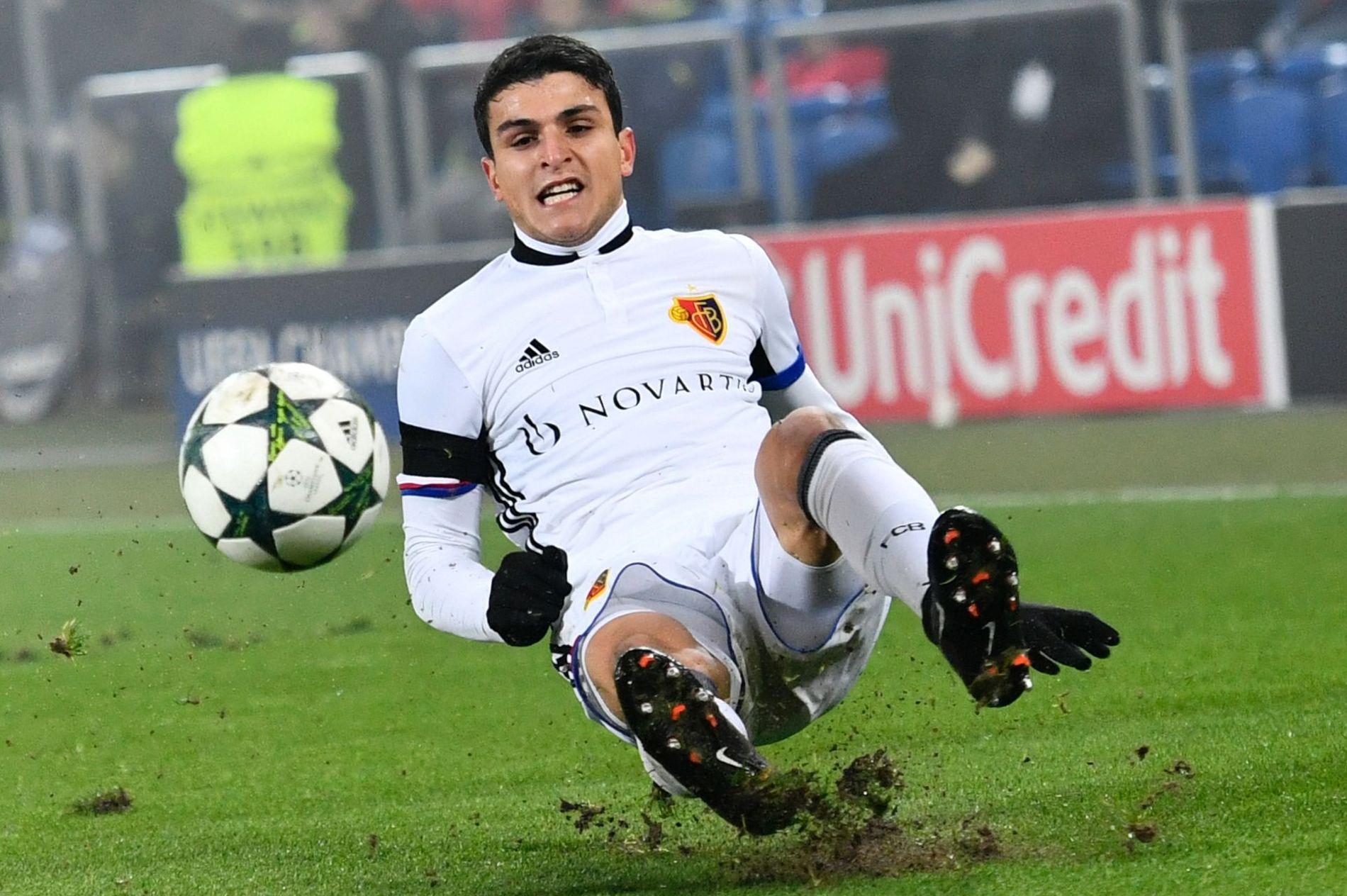 OVERALT: Mohamed Elyounoussi var involvert i det aller meste da Basel tok alle poengene mot Luzern.