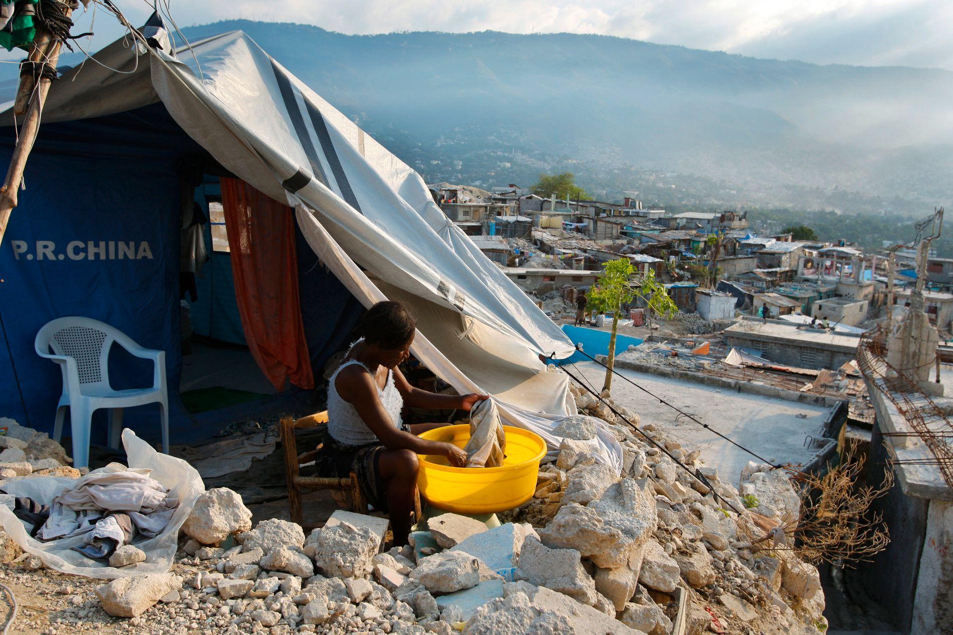 EN MILLION HJEMLØSE: Hjelpeorganisasjonen skal ha utnyttet kvinner som mistet hjemmet sitt etter et jordskjelv på Haiti i 2010.