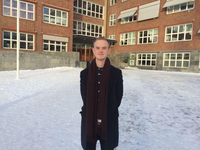 SKEPTISK: Kristoffer Hansen, leder i Elevorganisasjonen.