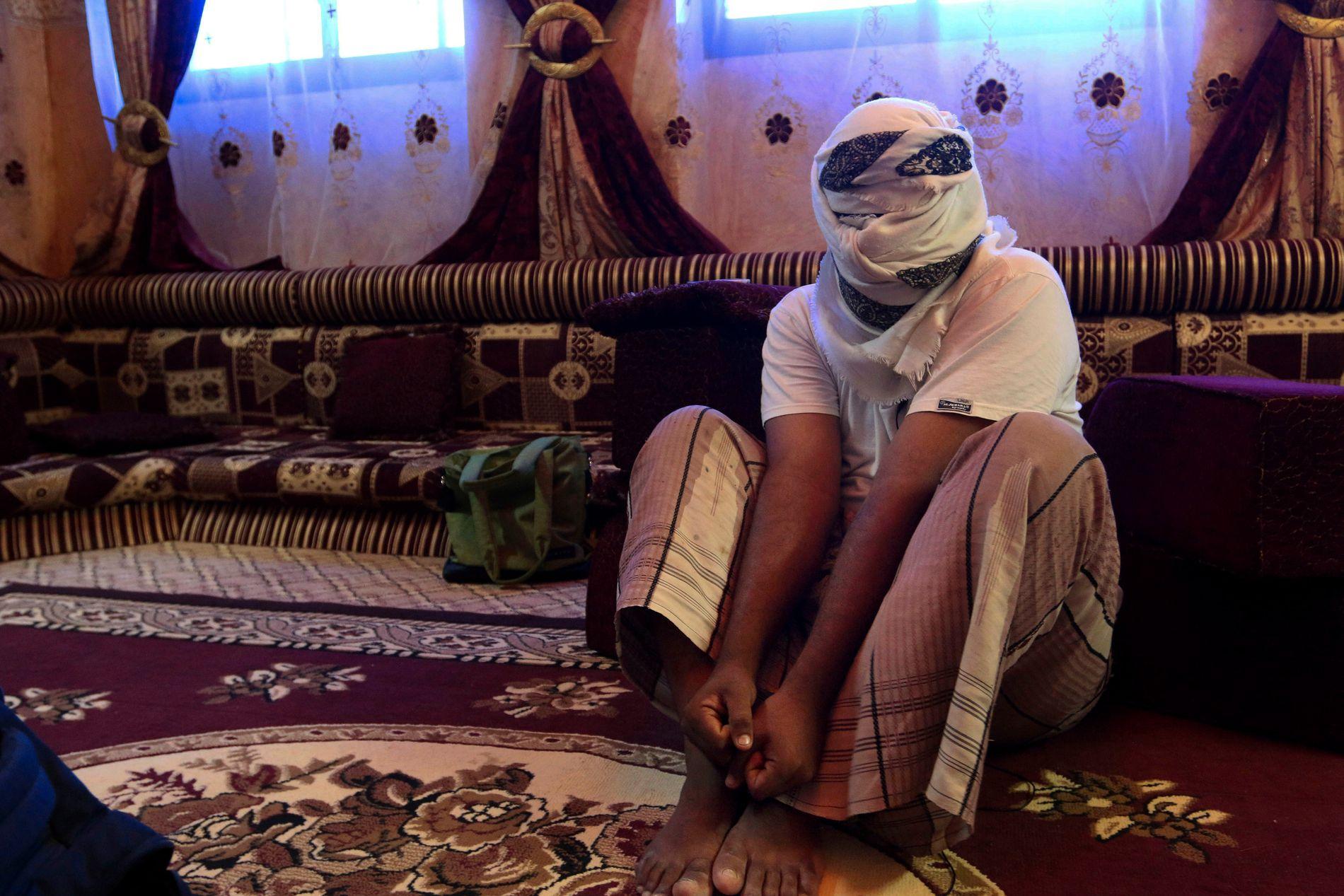 VAR I FENGSELET: En tidligere fange beskriver hvordan han ble bundet i armer og ben i et hemmelig, fengsel drevet av Emiratene sør i Jemen.