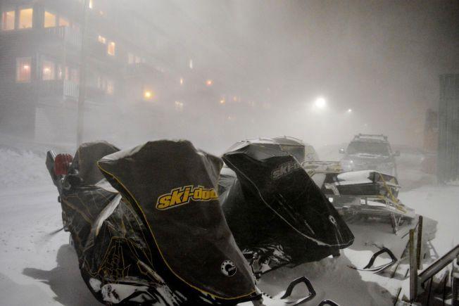 STORM:  Et kraftig uvær raste fredag på Svalbard.