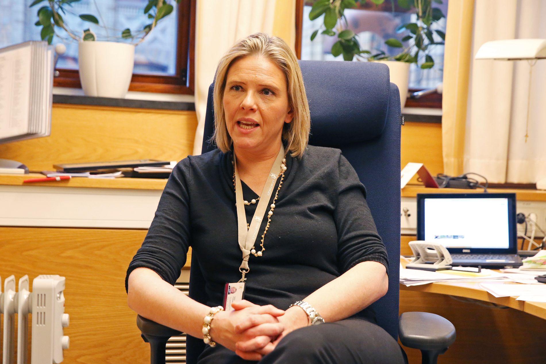 OST: Frp-nestleder Sylvi Listhaug sier Senterpartiet er mer opptatt av å hindre ost å komme inn i Norge, enn uønsket innvandring.